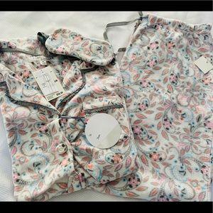 NWT Women's Pajama Set. Size Medium & X- Large